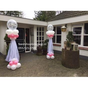 Ballonnenpilaar met tule
